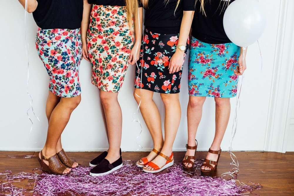 Florals are back in style! enjoy wearing any floral pattern this spring and summer!