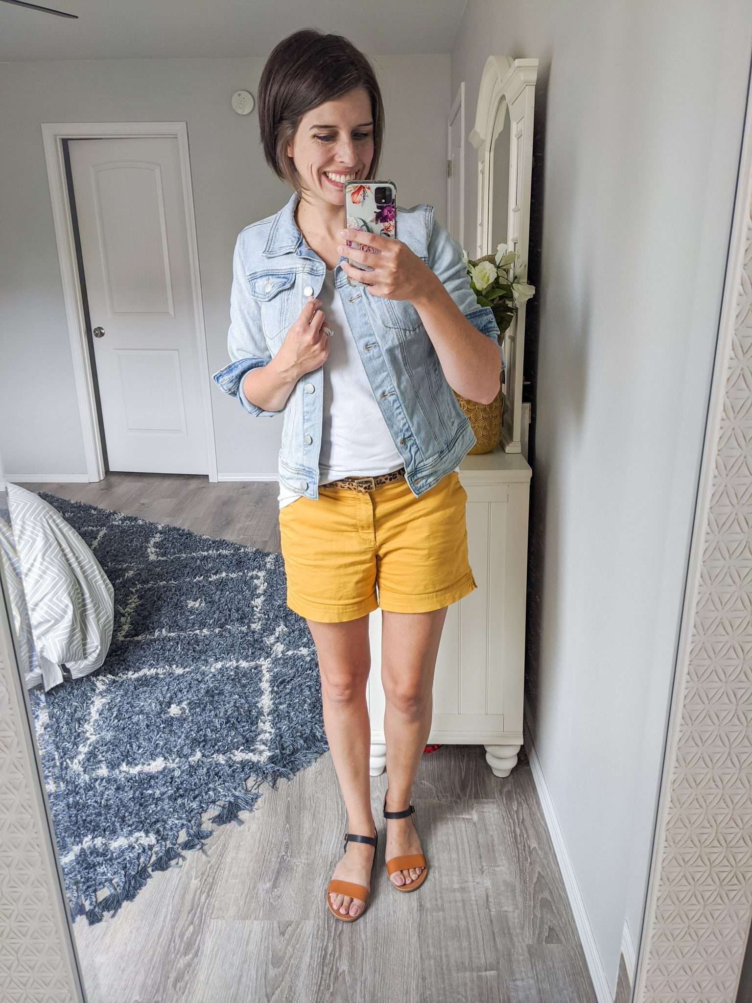 Summer to Fall transition outfits - How to transition summer clothes to fall - Denim jackets are your friend