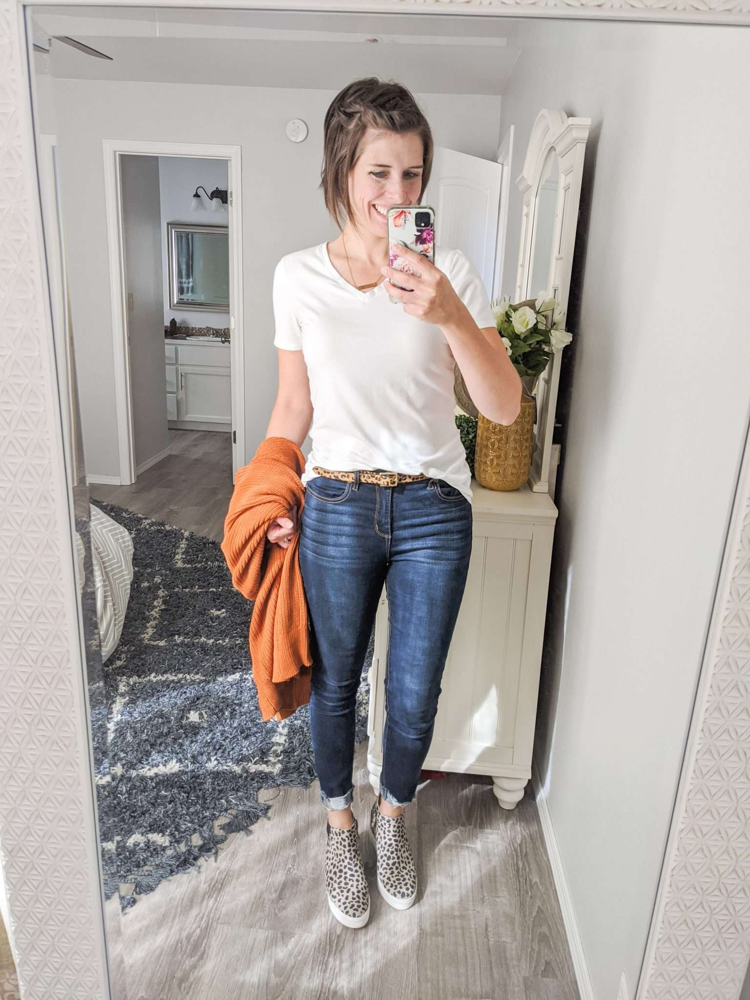 Summer to Fall transition outfits - How to transition summer clothes to fall - Fall-colored cardigans and leopard sneakers
