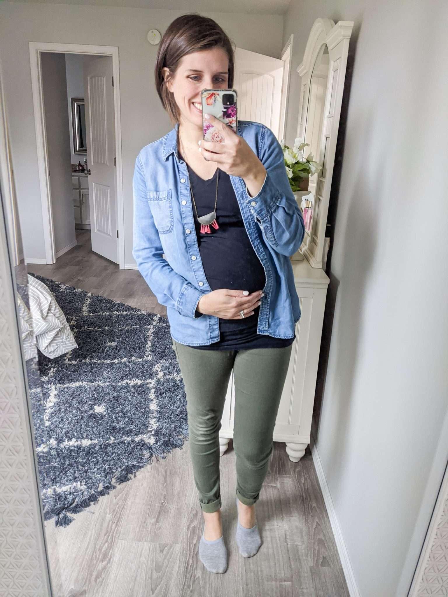Free Checklist Minimalist Maternity Capsule Wardrobe For A Budget Friendly Pregnancy Easy Fashion For Moms