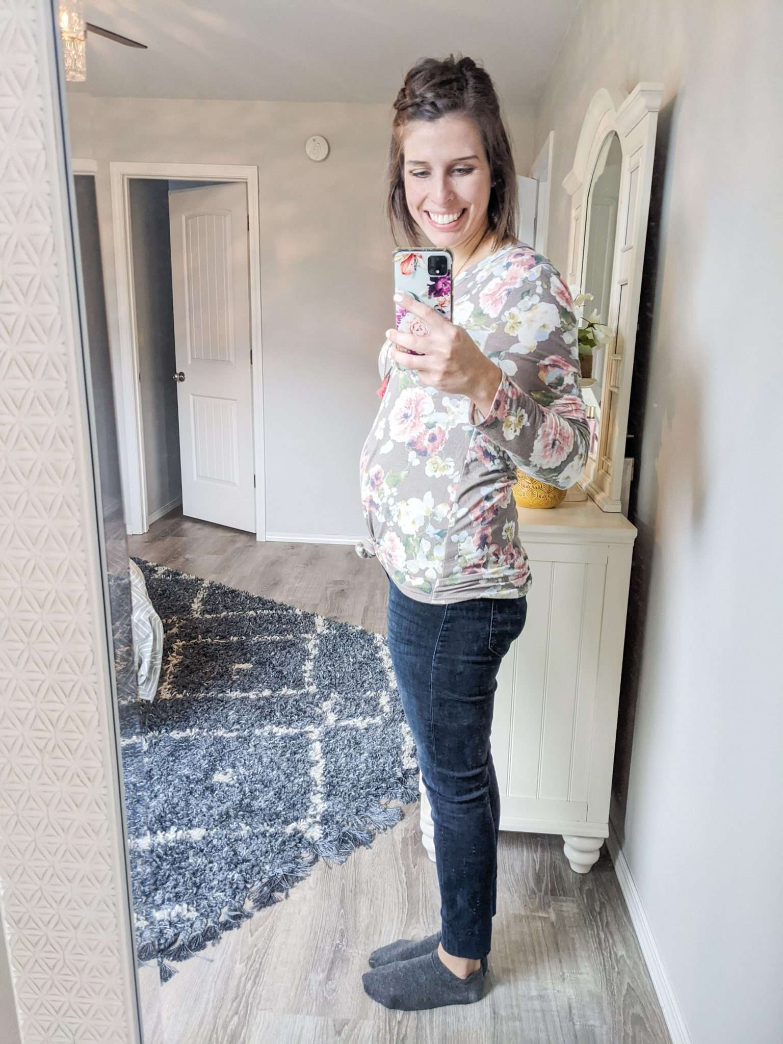 How to Put Together Complete Outfits from Your Maternity Capsule Wardrobe - What to wear when pregnant - What kind of clothes to wear during pregnancy (17)