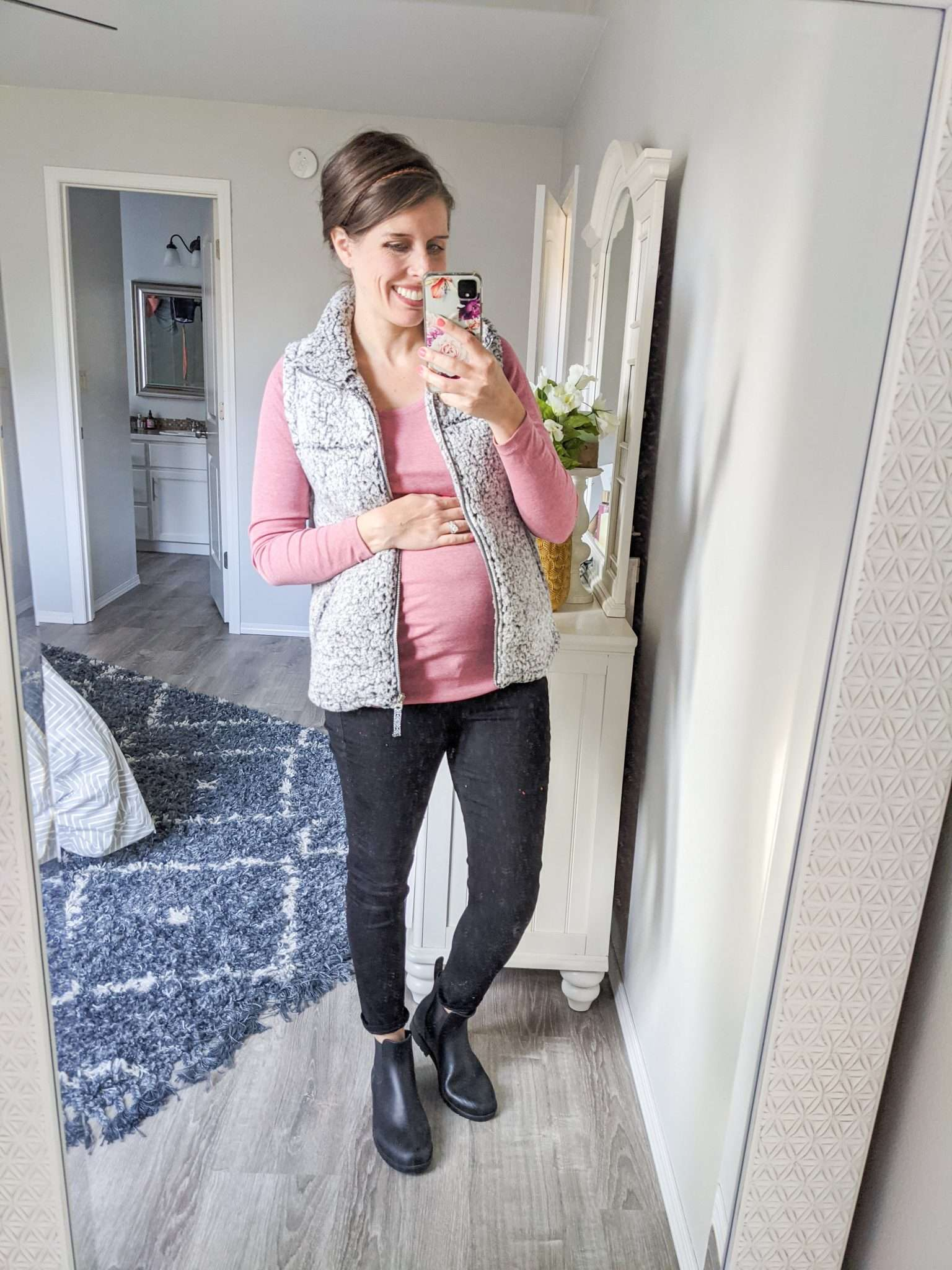 How to Put Together Complete Outfits from Your Maternity Capsule Wardrobe - What to wear when pregnant - What kind of clothes to wear during pregnancy (19)
