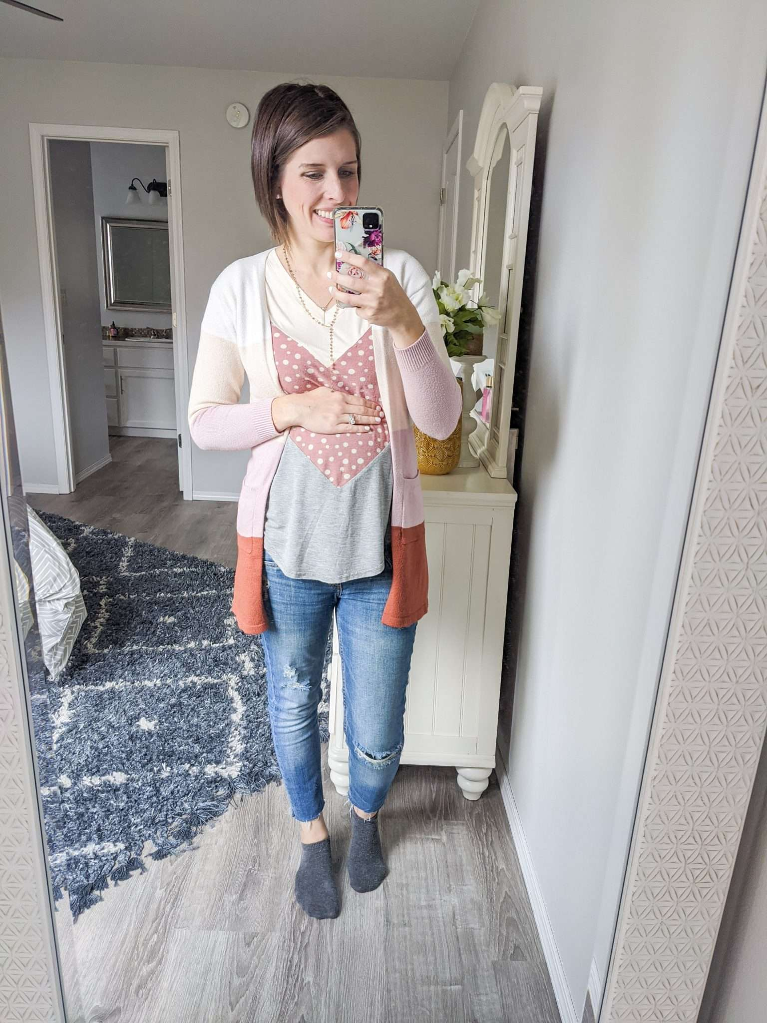 How to Put Together Complete Outfits from Your Maternity Capsule Wardrobe - What to wear when pregnant - What kind of clothes to wear during pregnancy (8)