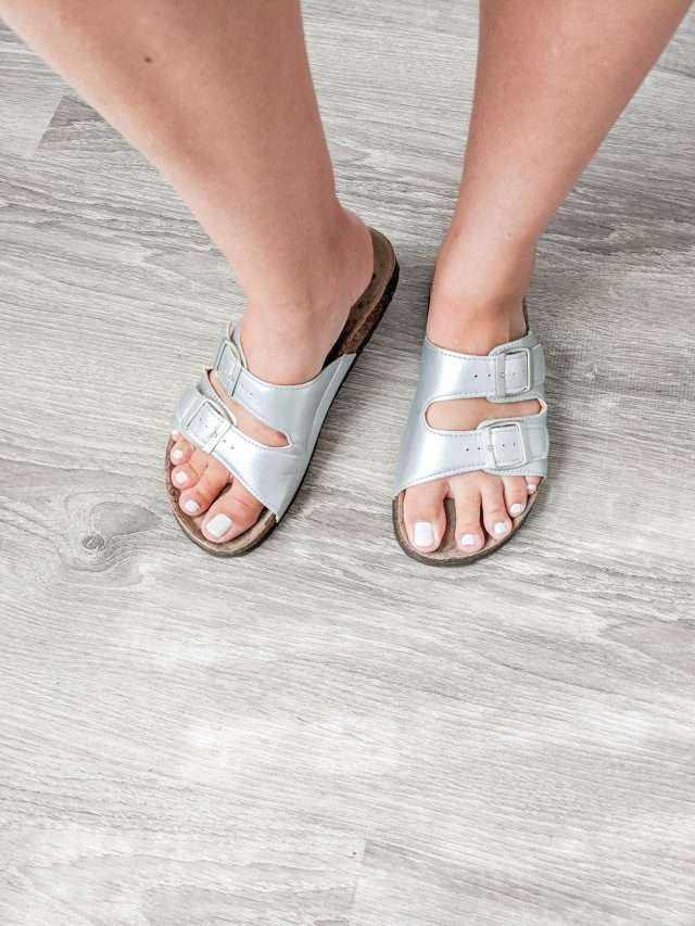 how to make birkenstocks look cute and not frumpy by painting your nails